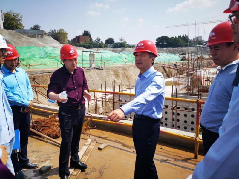 市长尚朝阳莅临火车站北广场项目现场调研指导工作